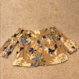 Off the shoulder floral print top. Size small.